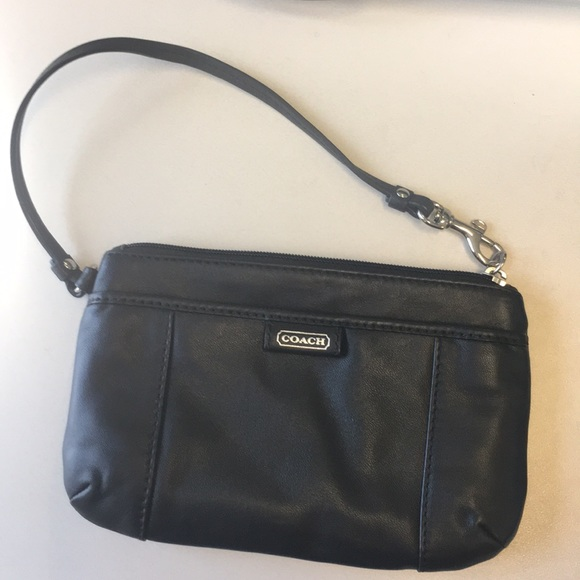 Coach Handbags - New without tag COACH wristlet